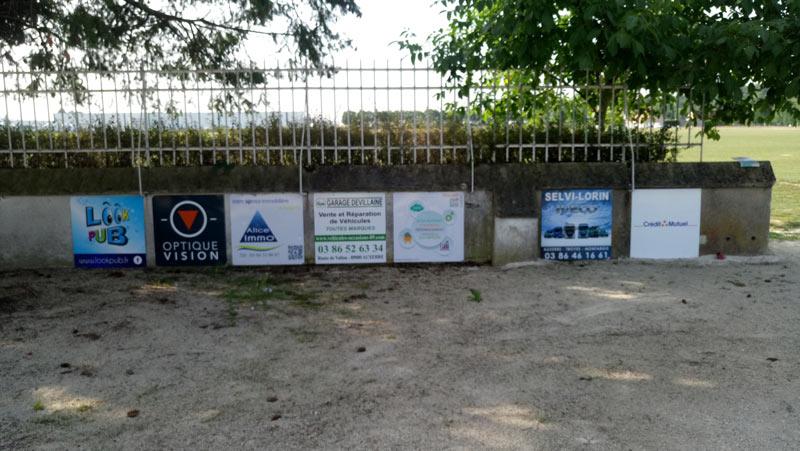 panneaux-de-sponsors
