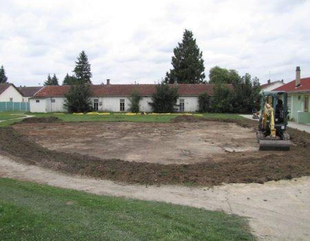 Construction du putting green de 450 m²